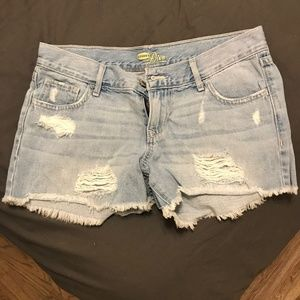 Old Navy Distressed Denim Shorts - light wash